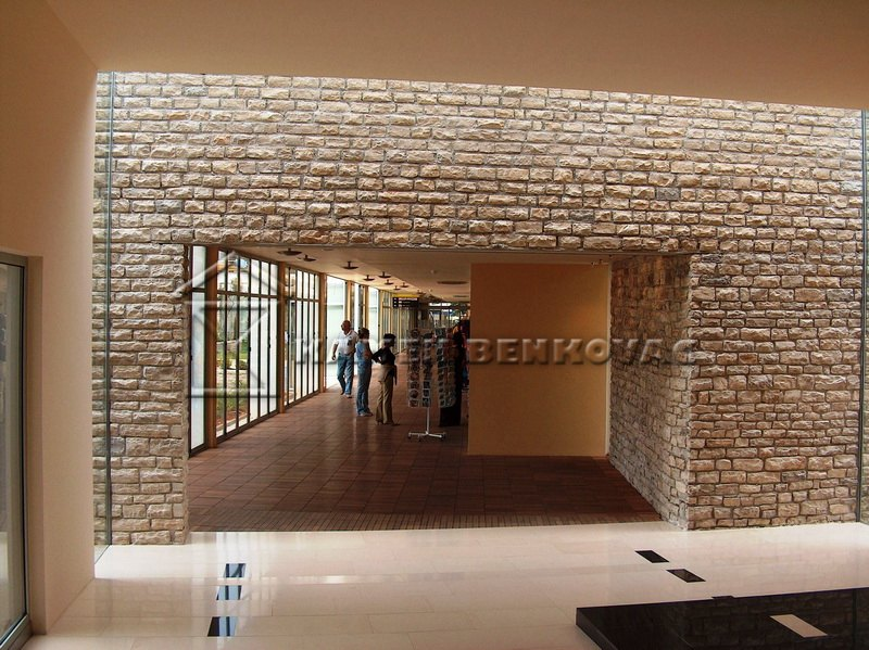 Kamen benkovac ben za zidanje for Designhotel kamen